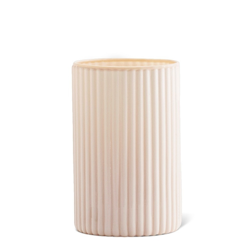 Petit Vase en Opaline Rose Poudré - Madam Stoltz - Boutique Les inutiles