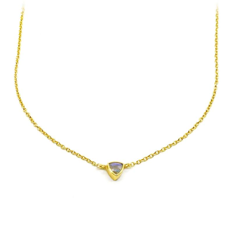 Collier argent plaqué or serti labradorite triangulaire - chaîne dorée et pierre fine triangle - muja juma - les inutiles