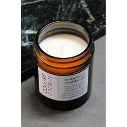 bougie aromatique à la cire de soja et aux huiles essentielles - cardamom x sandalwood - boutique les inutiles