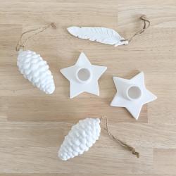 Décorations de Noël en porcelaine, bougeoires et pommes de pin - boutique Les inutiles