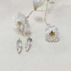 Petites boucles d'oreilles argent - métal argenté sans allergène - Puces bohème et romantique - Les inutiles