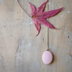 Sautoir rose pastel • Collier Médaillon photo Trois Petits Points Bijoux de créateurs • Bijouterie en ligne Les inutiles