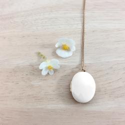 Médaillon photo qui s'ouvre pendentif or et blanc, bijoux souvenir, cadeau deuil et naissance • boutique bijou Les inutiles