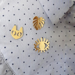 Collection de pin's Chat oeil et monstera Marine Mistake • Bijoux de créateurs Les inutiles bijouterie à Loches