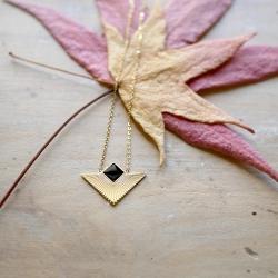 Pendentifs Art déco et géométriques en acier inoxydable doré à l'or fin • Bijoux et cadeaux à Loches, Boutique Les inutiles