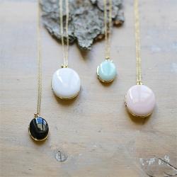 pendentif photo collier bleu • médaillon qui s'ouvre • sautoir cadeau mariage • concept store Les inutiles
