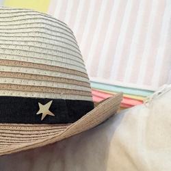 Petits bijoux d'été • Pin's étoile dorée broche star • Collection de bijoux Tiltee Boutique Les inutiles