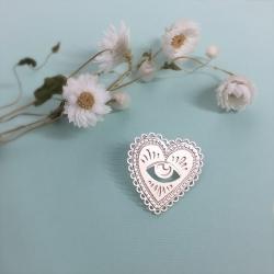 Broche Cœur argent • Pin's Milagro et bijoux Marine Mistake • Coeur argenté et œil divin • Boutique Les inutiles