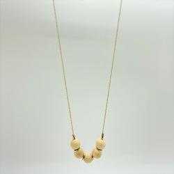 Collier long or et perles de bois • bijoux de créateur fait à la main, atelier Titlee • boutique de cadeaux Les inutiles