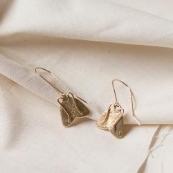 Moth earrings Boucles d'oreilles papillon nocturne • Dormeuses Insecte Bijoux artisanal fait à la main • Boutique Les  inutiles
