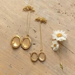 Sautoir pendentif qui s'ouvre médaillon porte photo terre de sienne marron • Bijoux créateur bohème à cumuler colliers longs